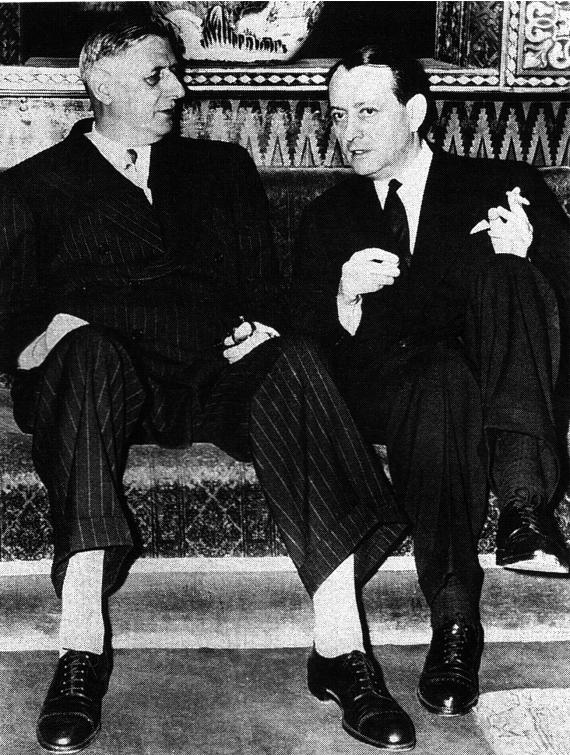De_Gaulle et André Malraux à Colombey -les-deux-Eglises, lors de leur dernier entretien