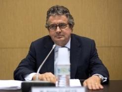 Le-rapporteur-PS-de-la-commission-d-enquete-parlementaire-sur-l-affaire-Cahuzac-Alain-Claeys-le-16-juillet-2013_univers-grande