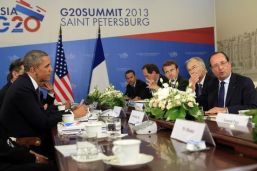 547802-us-president-barack-obama-meets-french-president-francois-hollande-at-the-g20-in-st-petersburg-russi