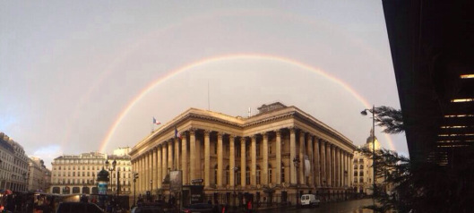 Paris Place de la Bourse Arc-en-ciel