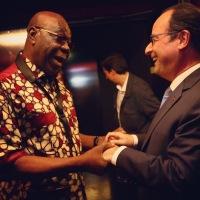 Manu Dibango et F. Hollande: un instant tanné...
