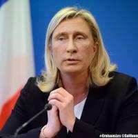 Marina Le Pen, « vice-valet » de Poutine…