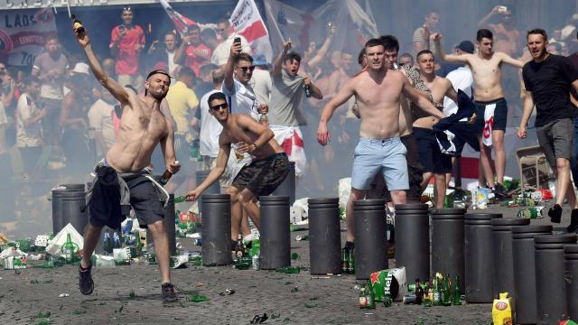 euro-2016-un-supporter-anglais-entre-la-vie-et-la-mort-marseille