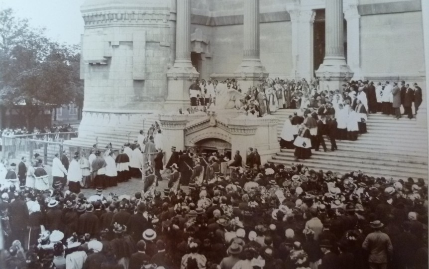cathedrale-fourviere-histoire-fe%cc%82te-des-lumieres