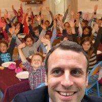 Soldes (politiques): M.Valls déclare ouverte «la cérémonie quinquennale du #MacronBashing!» Tapis rouge…