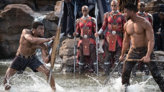 Black-panther-avec-Michael-B-Jordan-T-challa-Michael-B-Jordan-Erik-Killmonger-combat-roi-wakanda-cinema-film-critique-avis
