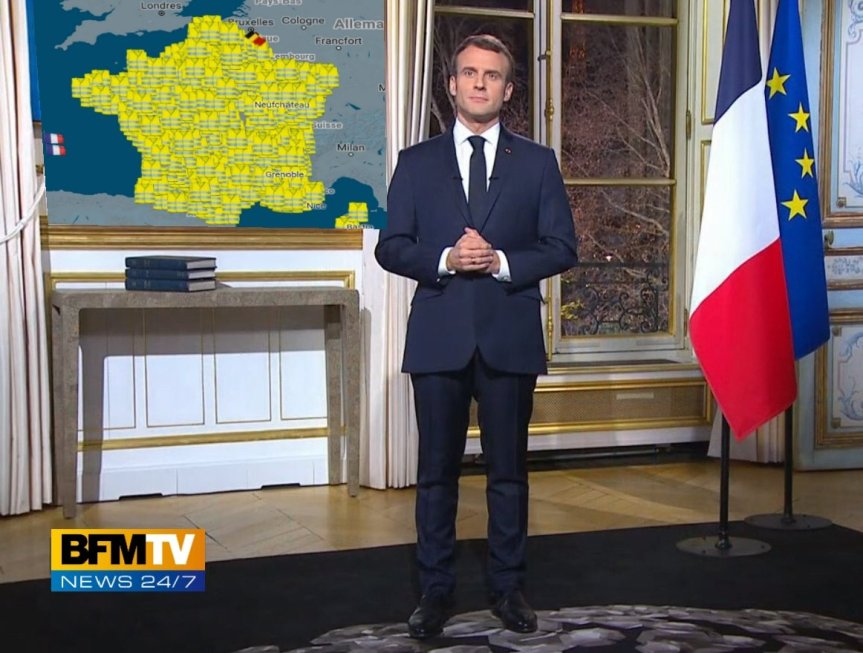 Vœux Macron Annonces foule haineuse.jpg